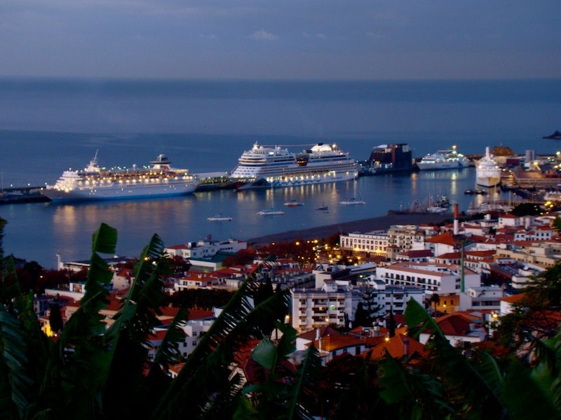 Cómo ir en barco a Madeira desde Lisboa (no hay ferries sólo en Crucero)