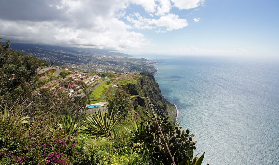 Vistas espectaculares desde los acantilados de Cabo Girão.